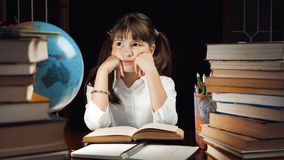 Портрет умной школьницы Стоковые Фото