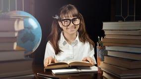 Портрет умной школьницы Стоковая Фотография RF