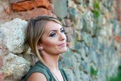 Портрет унылой, унылой белокурой женщины Стоковая Фотография RF