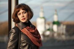 Портрет унылой красивой женщины моды внешней Стоковая Фотография