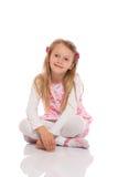Портрет усаживания маленькой девочки Стоковое Фото