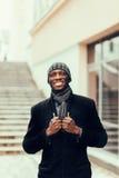 Портрет усмехаясь африканского бизнесмена Стоковая Фотография RF