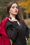 Портрет усмехаясь волшебной девушки в осени Стоковое Фото