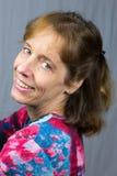Портрет усмехаясь голландской женщины стоковая фотография