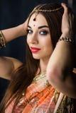 Портрет усмехаясь индийской женщины стоковое фото rf