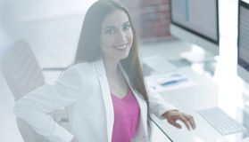 Портрет успешной дамы дела в офисе Стоковые Фотографии RF