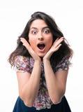 Портрет удивленной женщины смотря камеру Стоковая Фотография RF