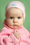 Портрет удивленный показывать ребенка Стоковое фото RF