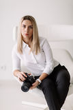 Портрет фотографа девушки Стоковое Изображение