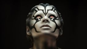 Портрет художника макияжа красивой девушки девушки профессионального стоковое изображение