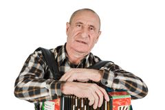 Портрет человека, дед играя аккордеон Изолированный o стоковое фото