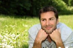 портрет человека травы Стоковая Фотография