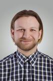 Портрет человека в вскользь рубашке Стоковое Фото