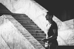 Портрет человека в городе Стоковая Фотография RF