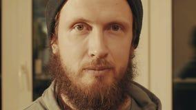 Портрет человека как раз смотря в камере Стоковые Изображения RF