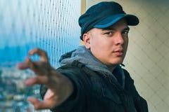 Портрет человека на балконе Стоковая Фотография RF