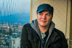 Портрет человека на балконе Стоковые Изображения RF