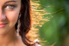 Портрет шикарных женщины брюнет & x28; изображение тонизированное цветом; с s Стоковые Изображения