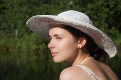 портрет шлема девушки стоковые фотографии rf