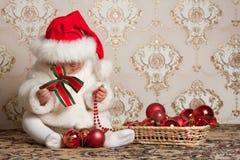 портрет шлема рождества младенца Стоковые Изображения RF