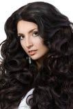 Портрет элегантной женщины с красивыми черными волосами Стоковые Фотографии RF