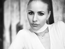 Портрет девушки в bw Стоковая Фотография