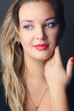 Портрет blondy девушки стоковая фотография rf