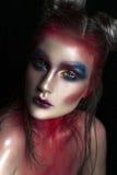 Портрет close-up красотки красивейшей стороны модели женщины с составом волшебного творческого способа пестротканым Картина сторо Стоковая Фотография
