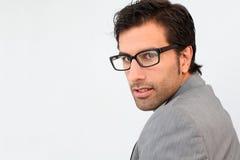 Портрет eyeglasses красивого бизнесмена нося Стоковые Фото