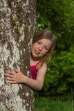Портрет m за деревом Стоковое Изображение