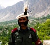 Портрет pakistanian предохранителя крепости Baltit на долине Hunza, Karimabad, Пакистане Стоковые Изображения RF
