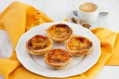 Португальские печенья на плите Стоковое Фото
