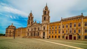 Португалия: королевские монастырь и дворец дворца Mafra, барочных и неоклассических, монастыря Стоковое фото RF