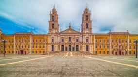 Португалия: королевские монастырь и дворец дворца Mafra, барочных и неоклассических, монастыря Стоковые Изображения RF