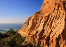 Португалия, Коста da Caparica, природный парк ископаемого Arriba Стоковые Фотографии RF