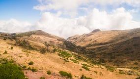 Португалия, Мадейра, взгляд гор около Pico de Arieiro дел Стоковые Изображения