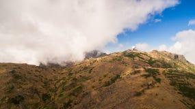 Португалия, Мадейра, взгляд гор около Pico de Arieiro дел Стоковые Фото