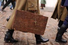 портфель нося большие воиска Стоковые Фото