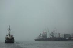 Порт Владивостока на японском море стоковое фото rf