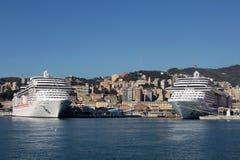 Порт в Genova, Италии 2 больших туристического судна Стоковое фото RF