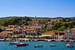 Порт городка Jelsa на острове Hvar, Хорватии Стоковые Фото