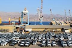 Порт груза и новые автомобили для продажи, Eilat, Израиль Стоковое Фото