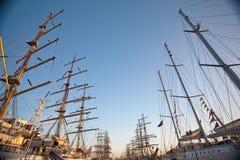 порт грузит высокорослое Стоковое фото RF