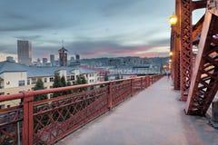 Портленд Орегон городской на мосте Бродвей стоковая фотография