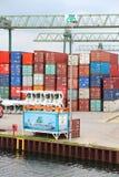 Порт контейнера Стоковые Фотографии RF