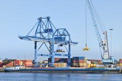 Порт контейнерного терминала Роттердама, Голландии стоковые изображения