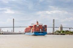 Порт корабля грузового контейнера причаливая саванны, GA Стоковая Фотография