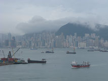 Порт короля Hong в тумане и облаках Стоковое Изображение