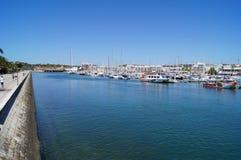 Порт на юге  Португалии - сожмите принимать визирования взгляда снаружи, без характера и дня Стоковое фото RF