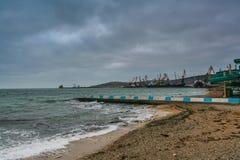 Порт, пляж в Feodosiya стоковые фото